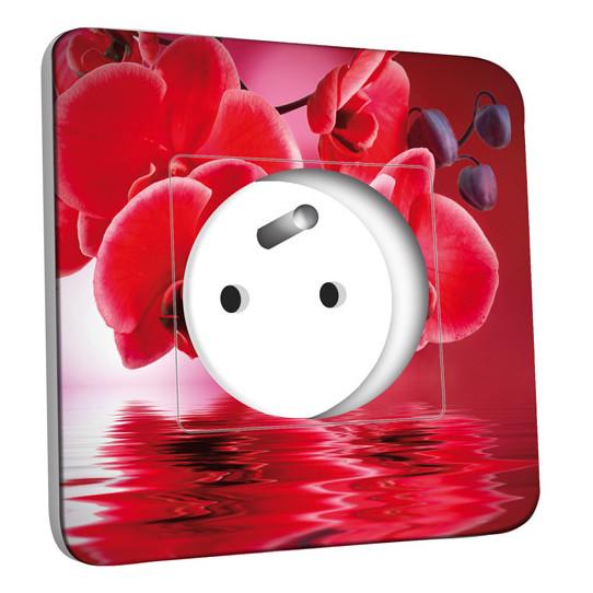Prise décorée - Fleurs Rouges Fond Rouge